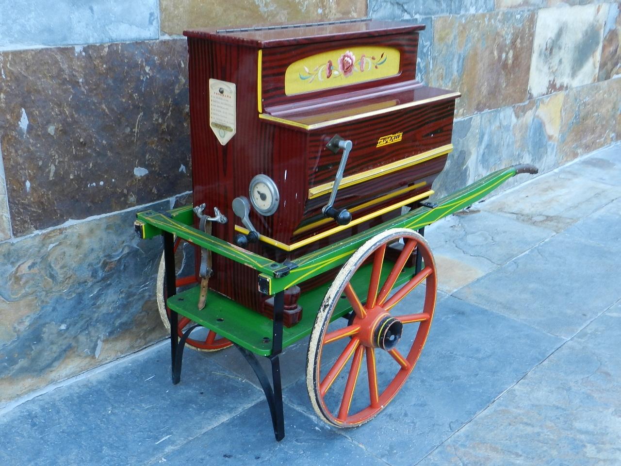 Imagen ORGANILLO FAVENTIA AÑO 1950 + CARRO 39226