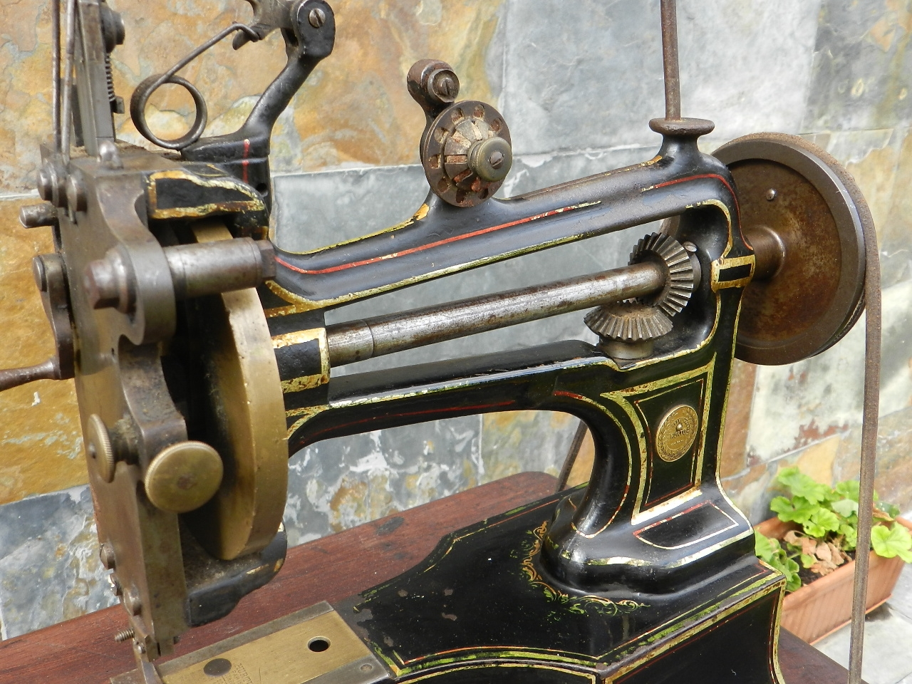 Imagen MAQUINA DE COSER HURTU AÑO 1890 39797