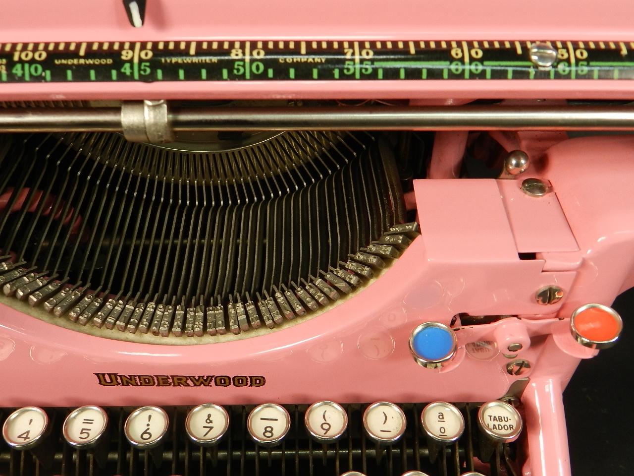 Imagen UNDERWOOD AÑO 1930 COLOR ROSA 40485