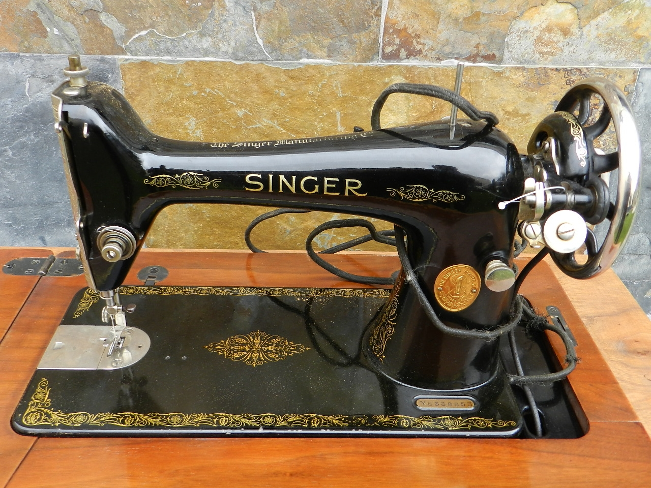 Imagen SINGER + MUEBLE DECORADO AÑO 1930 40733