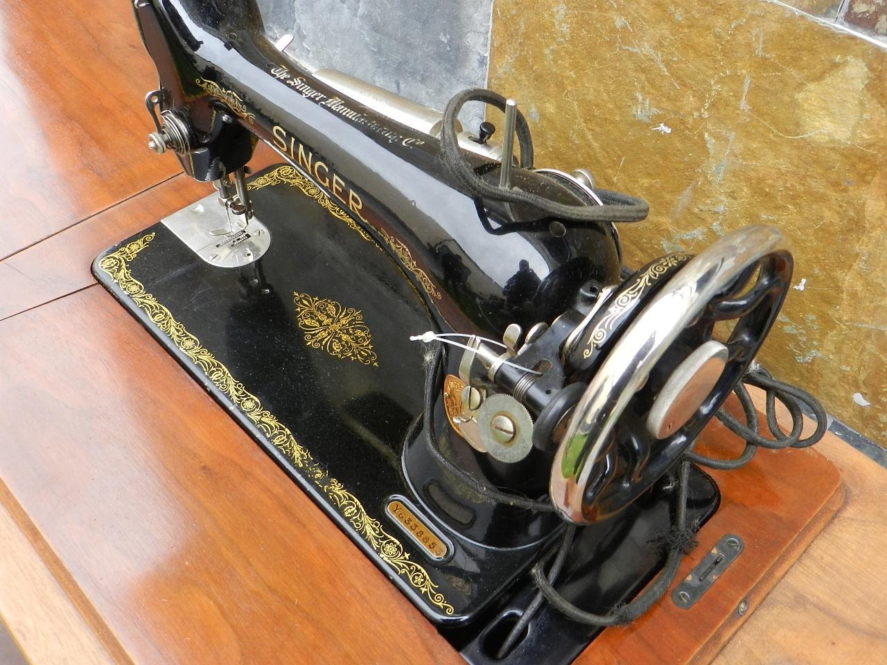 Imagen SINGER + MUEBLE DECORADO AÑO 1930 40736