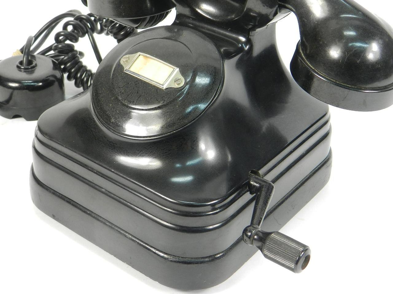 Imagen TELEFONO CON MAGNETO AÑO 1940 41432