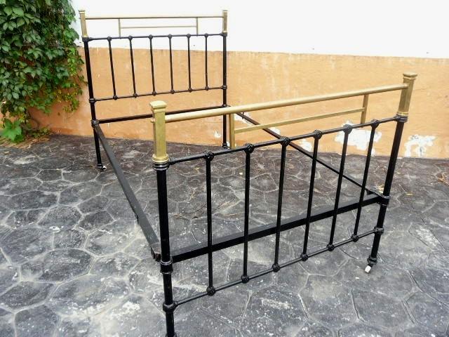 Camas de metal antiguas top ikayaa de stock antiguo marco de la cama de metal marco sofcama con - Camas de hierro antiguas ...