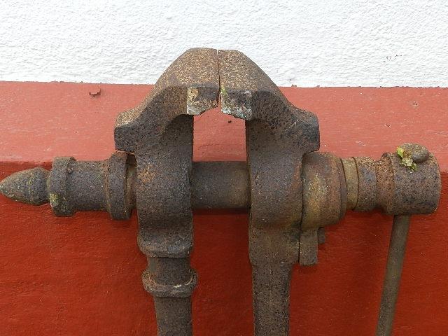 Imagen TORNILLO HERRERO 8297