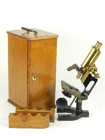 MICROSCOPIO 1910