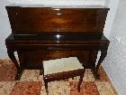 PIANO PETROF 1980