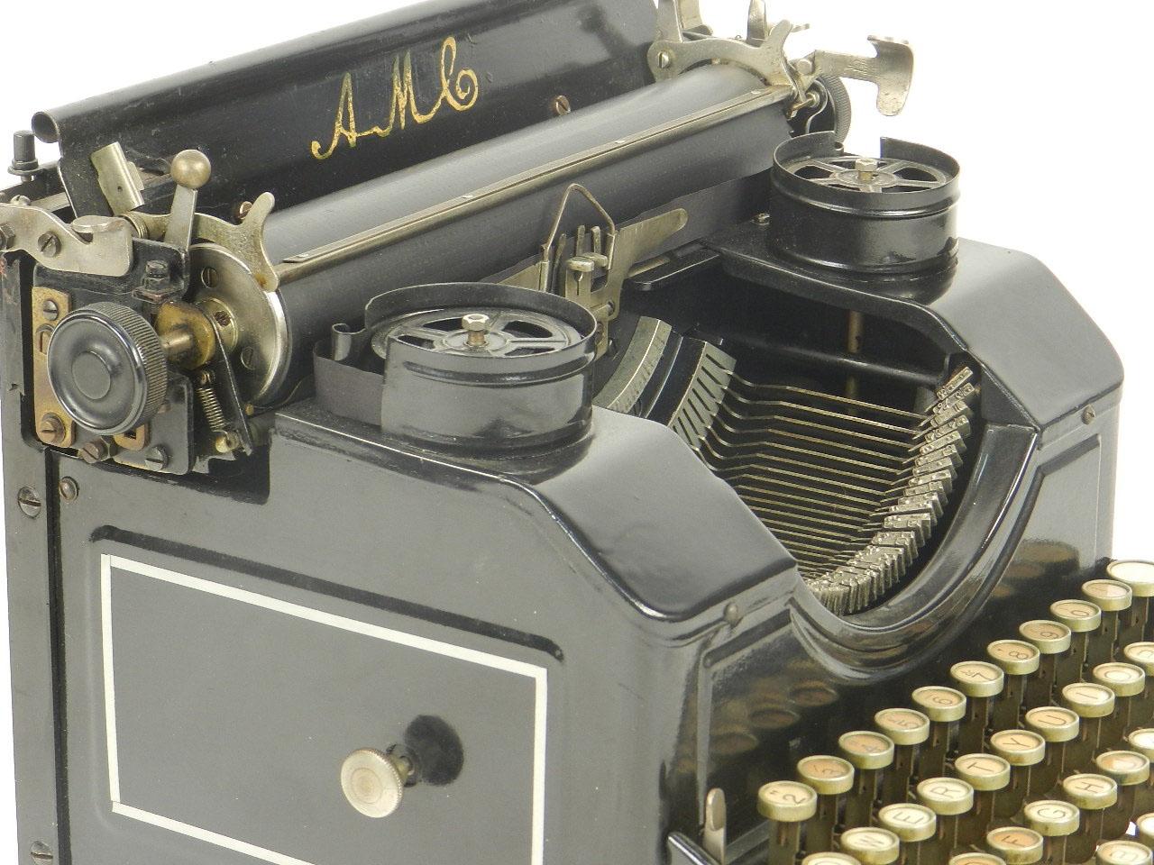 Imagen MÁQUINA DE ESCRIBIR AMC AÑO 1925 23078