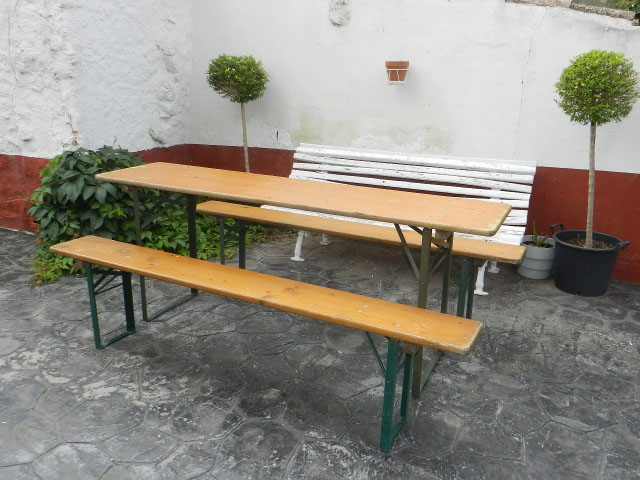 Antiguedad mesa y bancos plegables para jard n for Bancos de jardin precios