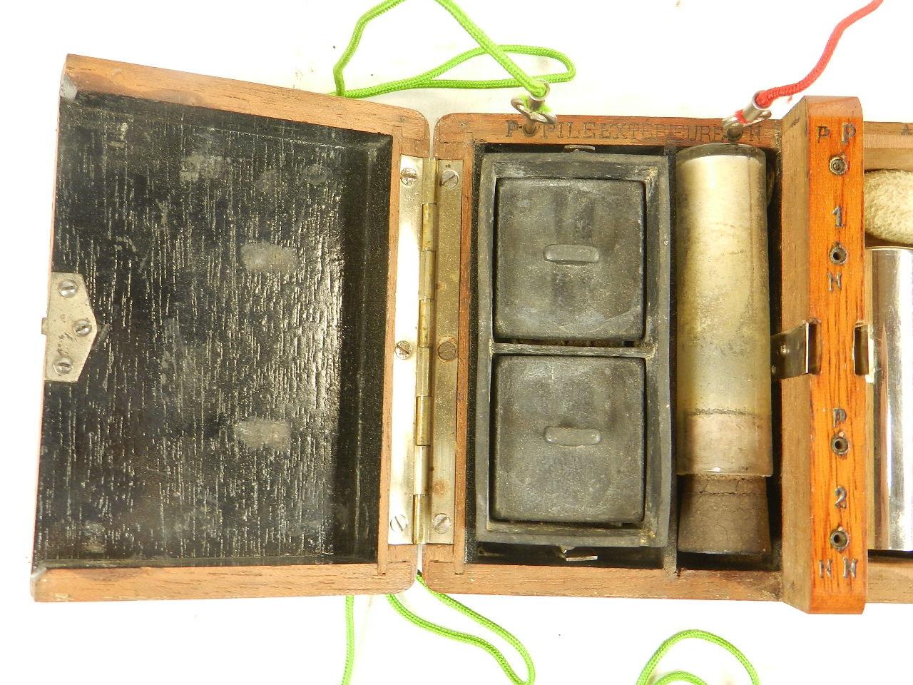 Imagen APARATO DE ELECTROSHOCK AÑO 1900 24405