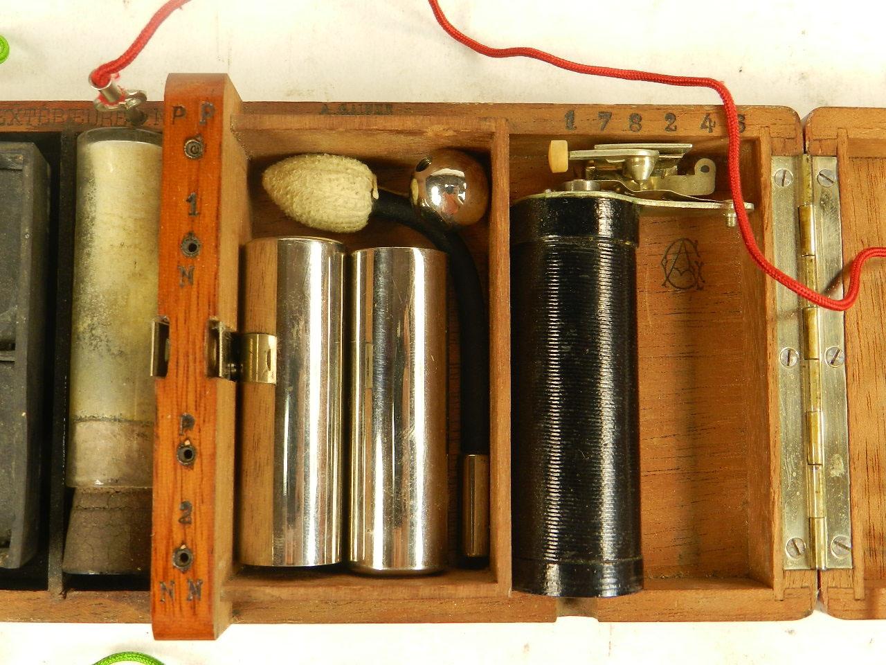 Imagen APARATO DE ELECTROSHOCK AÑO 1900 24406