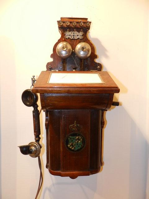 TELÉFONO DE PARED ERICSSON AÑO 1895