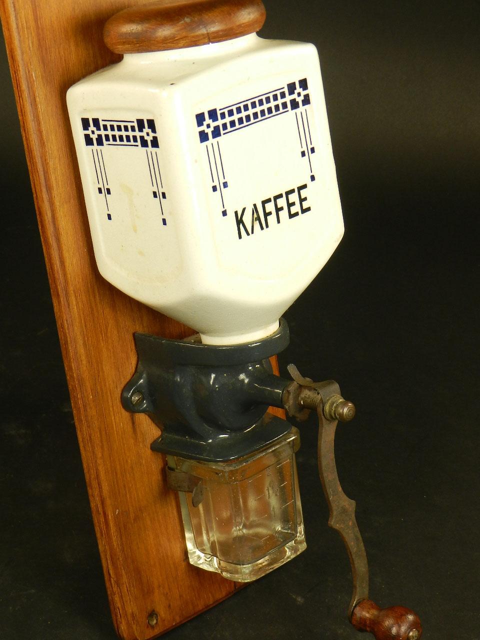 Imagen MOLINILLO DE CAFÉ DE PARED AÑO 1940 26448