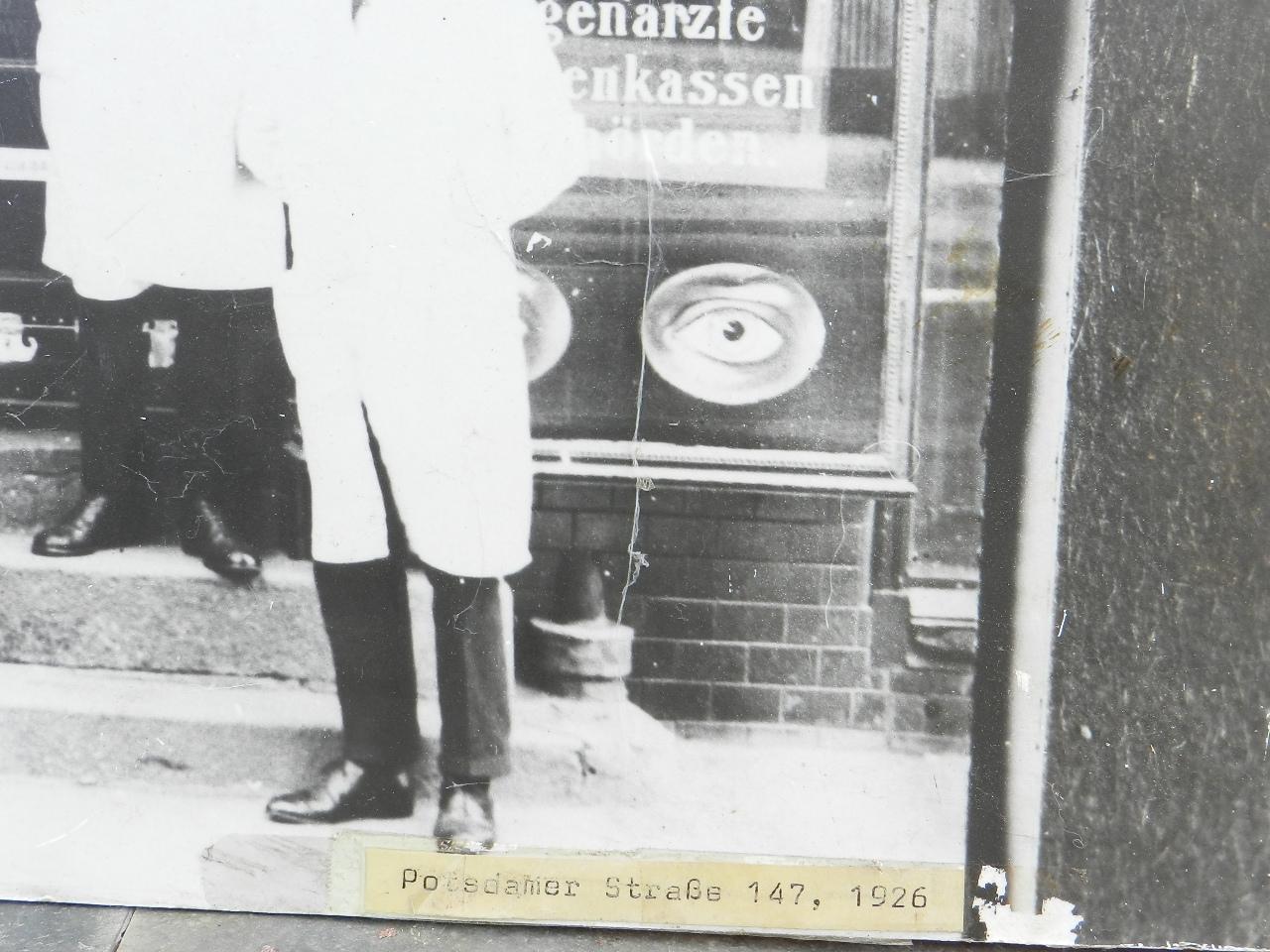 Imagen FOTOGRAFÍA DE UNA OPTICA ALEMANA 1926 26895