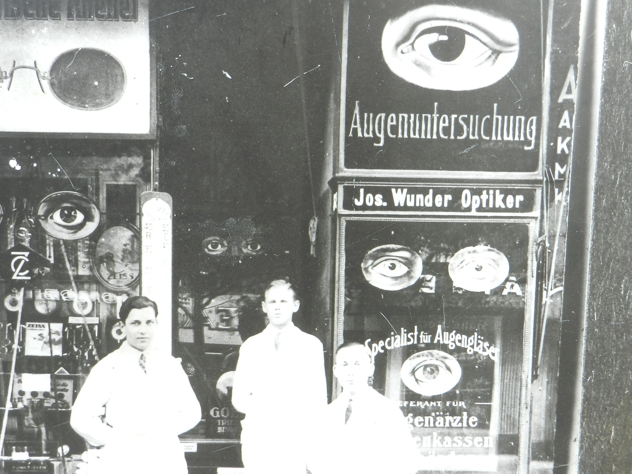 Imagen FOTOGRAFÍA DE UNA OPTICA ALEMANA 1926 26896