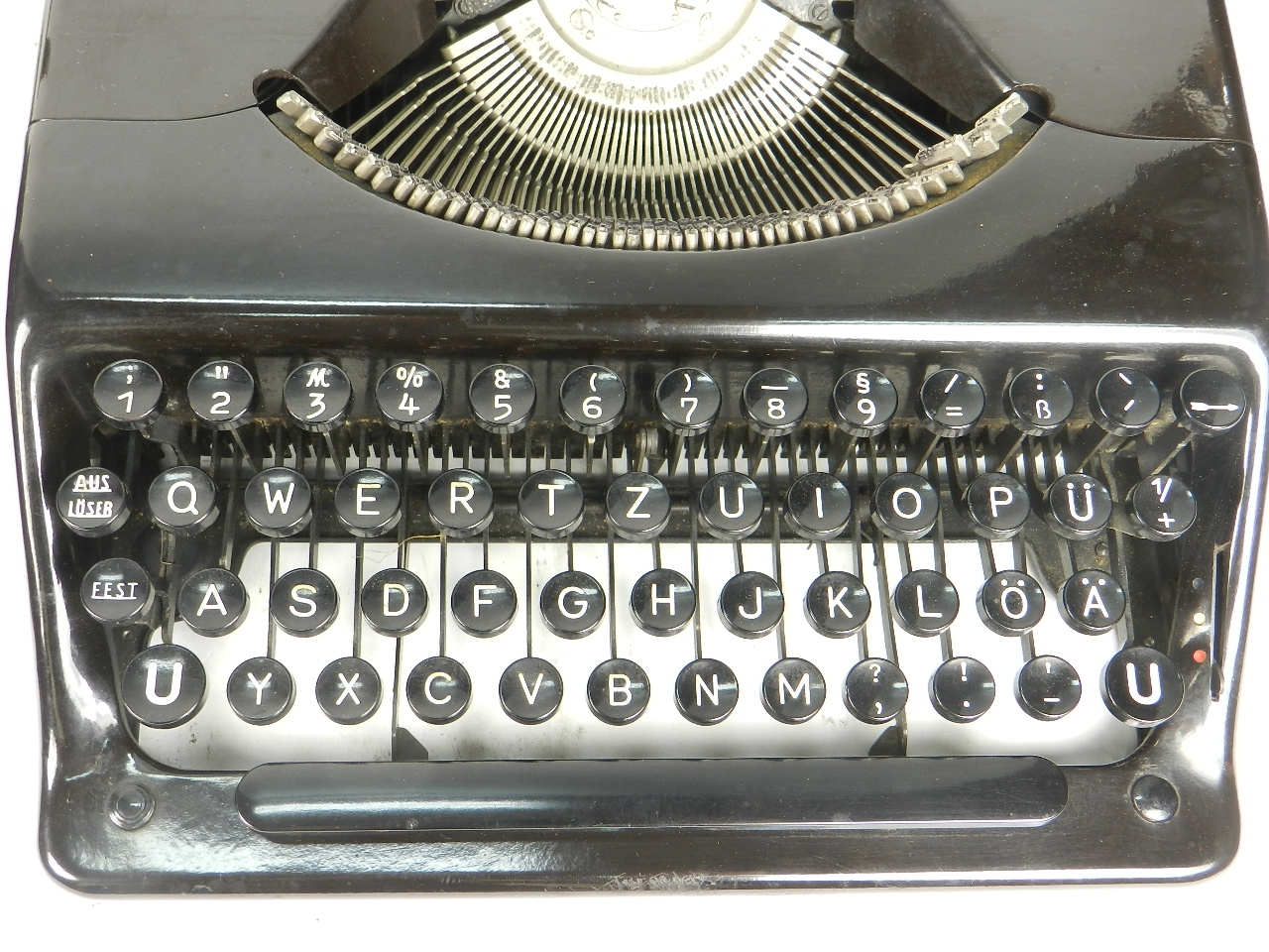 Imagen 2 MÁQUINAS OLYMPIA PLANA  AÑO 1940 27340