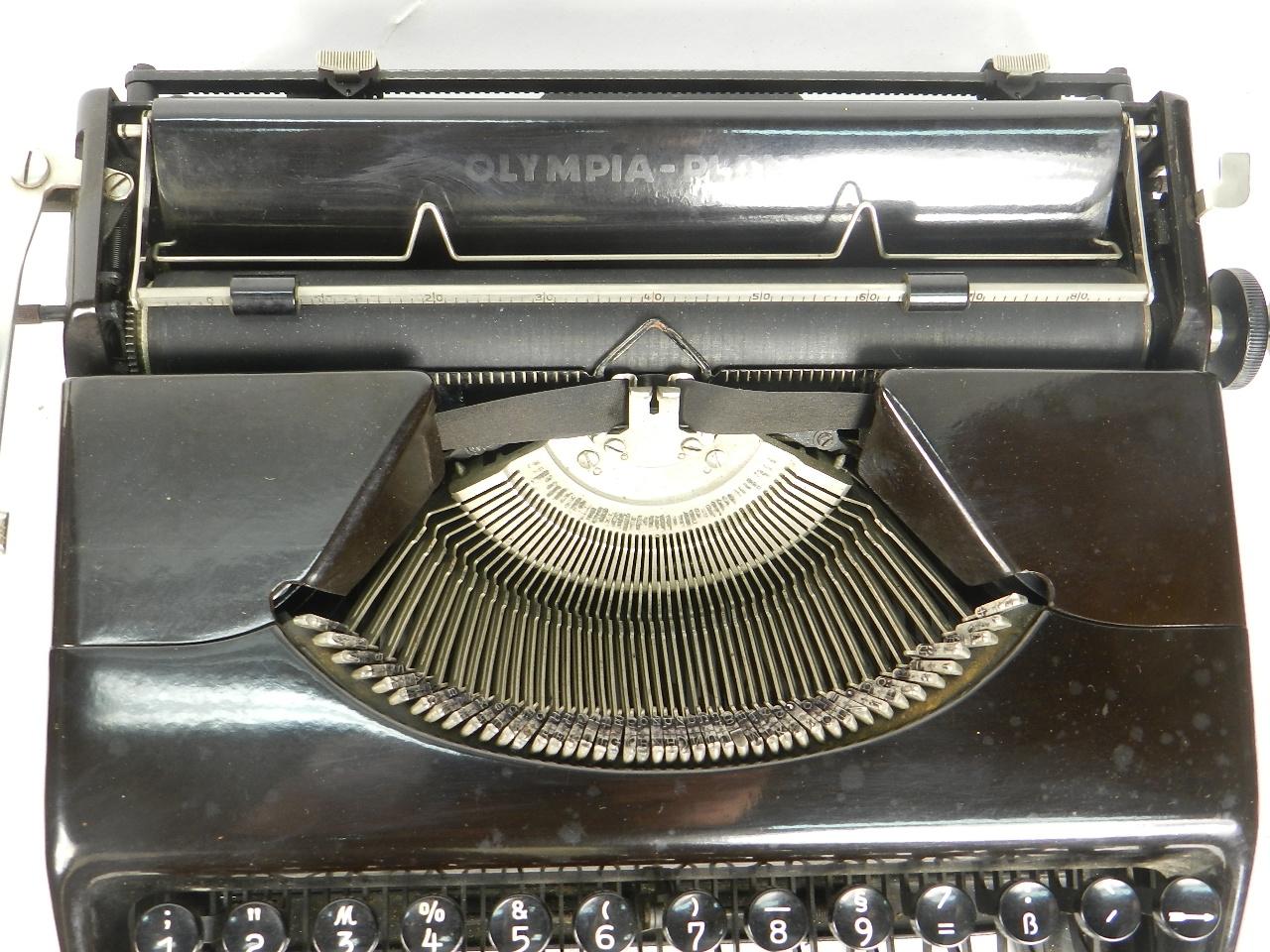 Imagen 2 MÁQUINAS OLYMPIA PLANA  AÑO 1940 27341