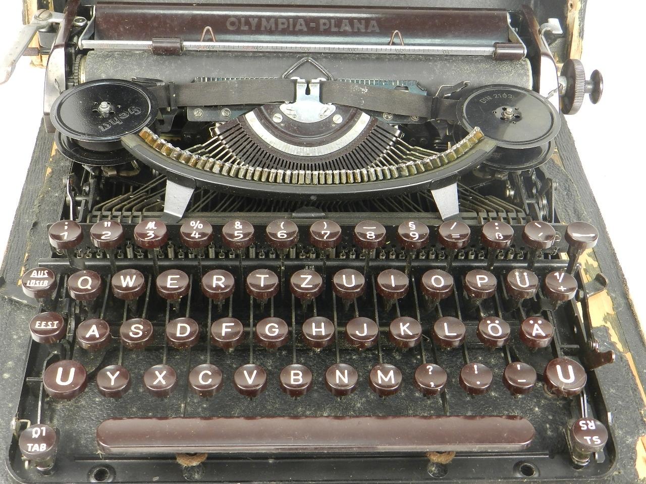 Imagen 2 MÁQUINAS OLYMPIA PLANA  AÑO 1940 27333