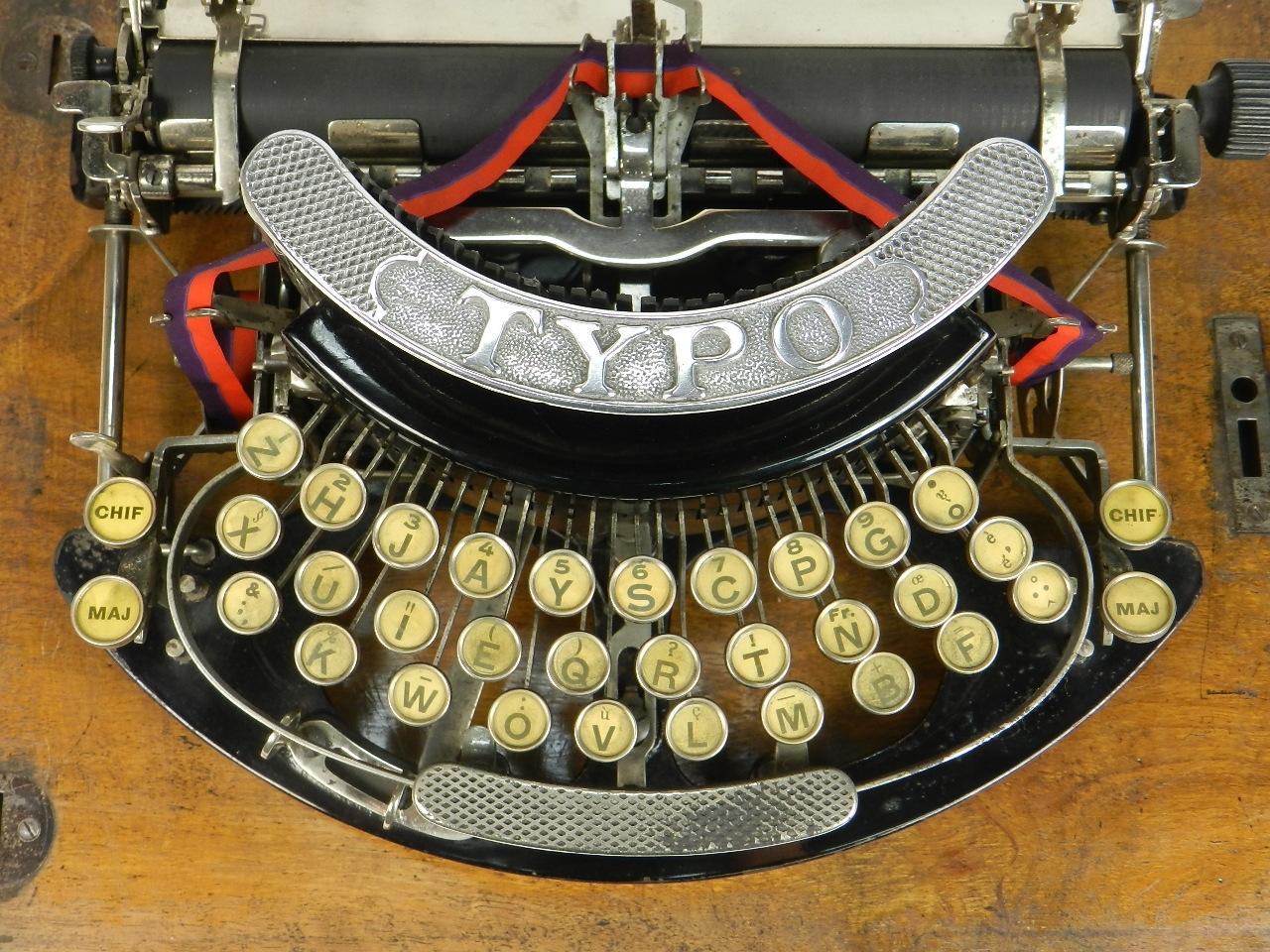 Imagen TYPO  AÑO 1915 + Caja de madera 27689