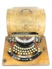 TYPO  AÑO 1915 + Caja de madera