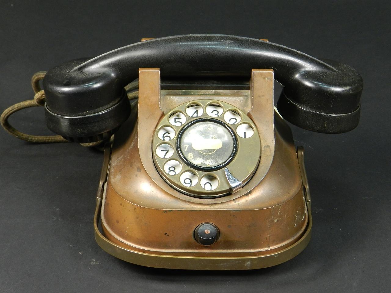 Imagen TELÉFONO DE COBRE AÑO 1940 28092