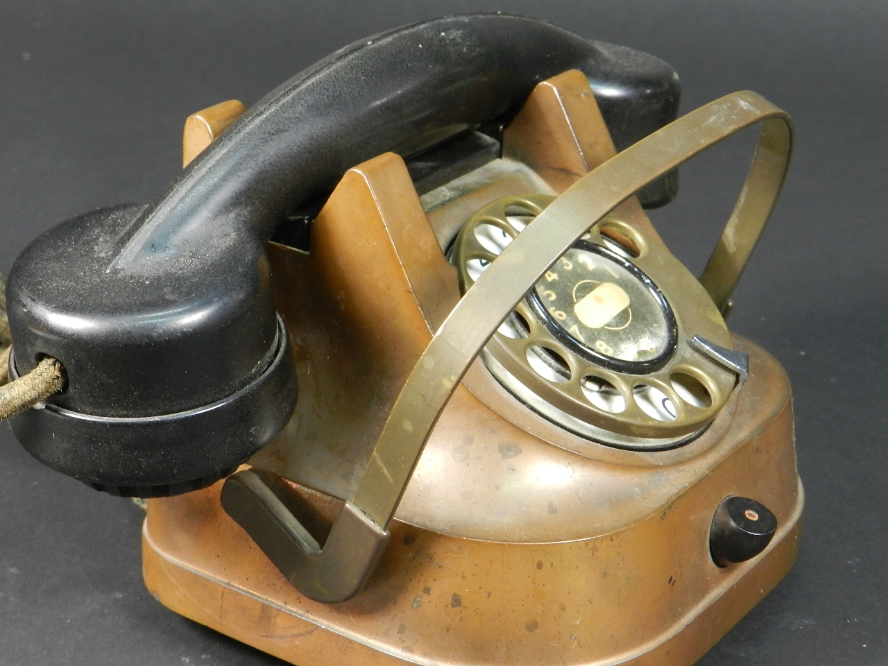 Imagen TELÉFONO DE COBRE AÑO 1940 28093
