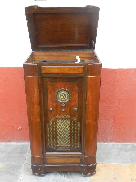 RADIO GRAMOLA ANDREA AÑO 1940