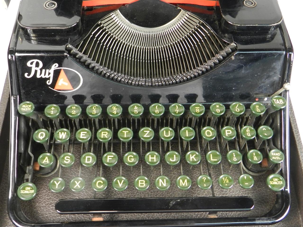 Imagen RUF PORTABLE AÑO 1937 29596