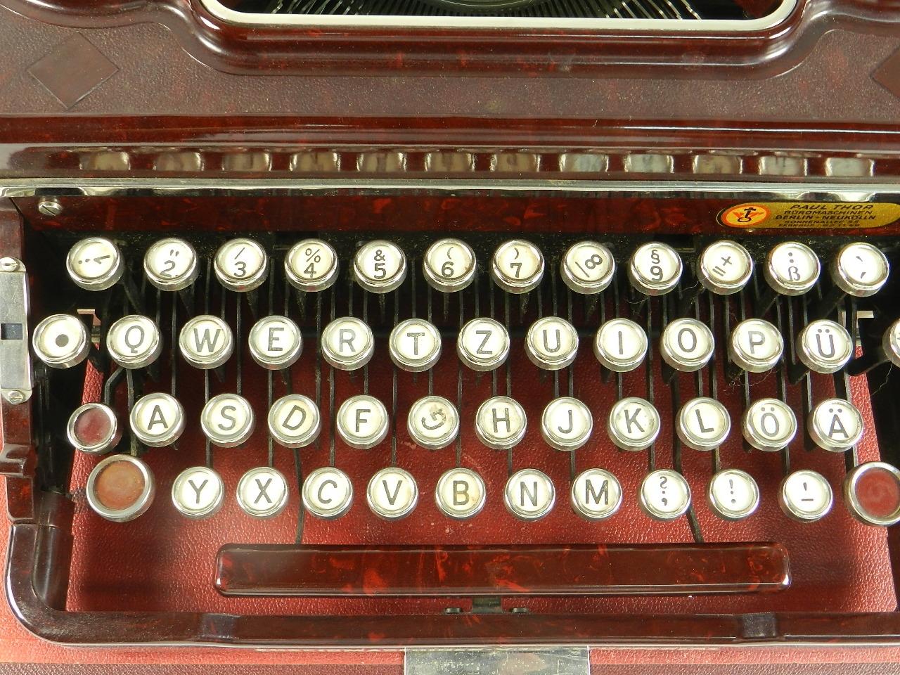 Imagen VOSS AÑO 1950  BAQUELITA ROJA 29634