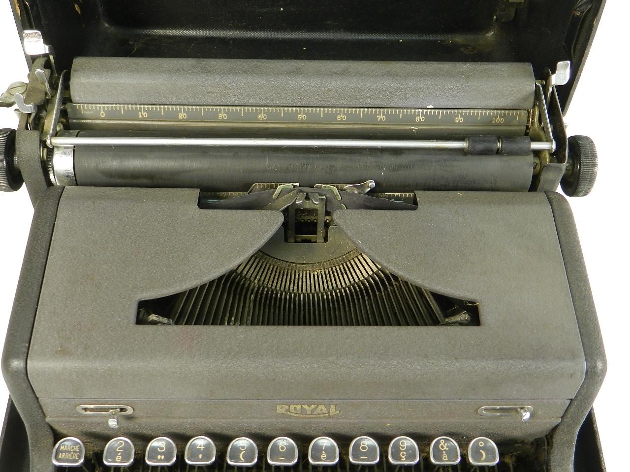 Imagen ROYAL  AÑO 1945 29671