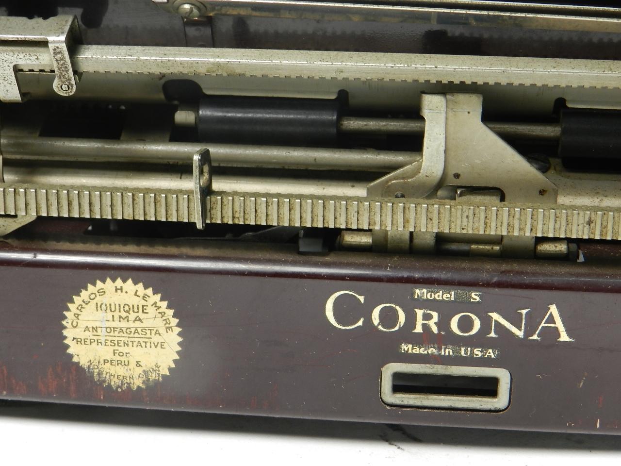 Imagen CORONA MODELO  S  AÑO 1935 COLOR BURDEOS 30168