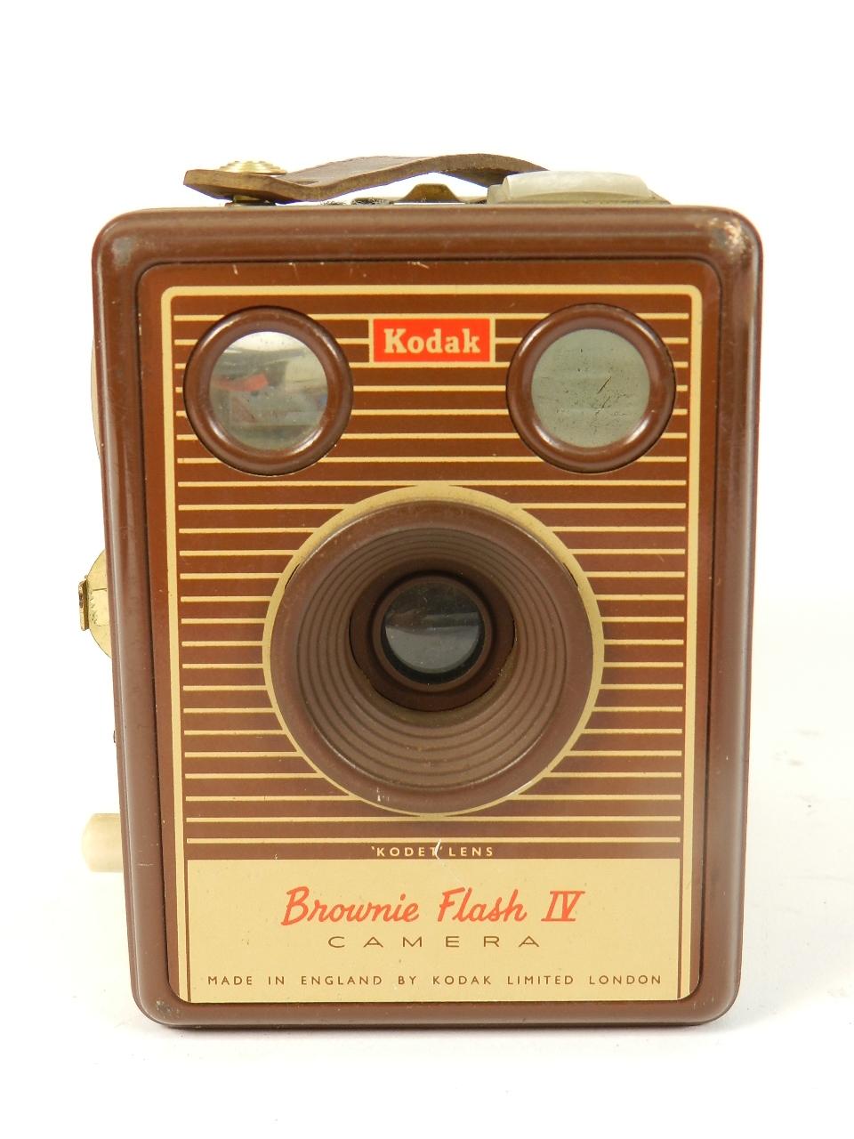 Imagen KODAK SIX-20 BROWNIE FLASH IV 31758