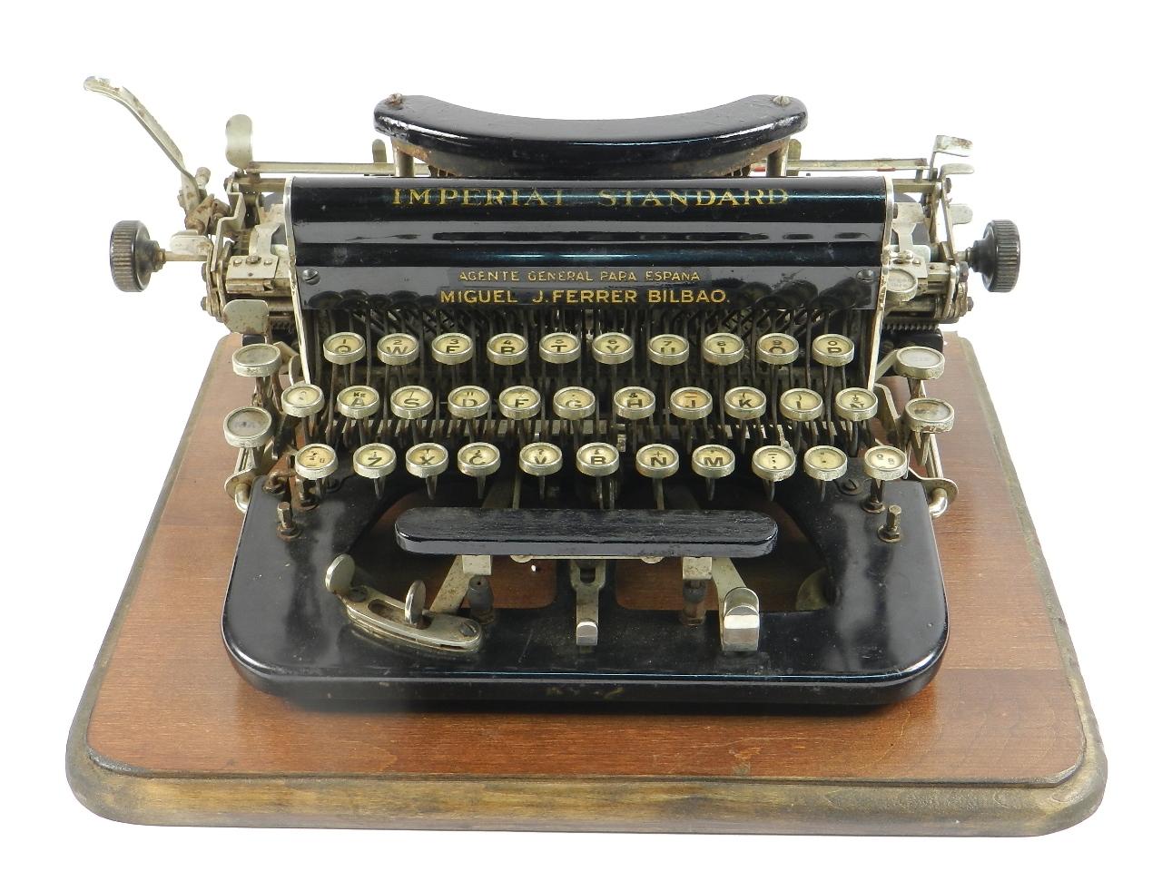 Imagen IMPERIAL D AÑO 1919 TECLADO ESPAÑOL 33173