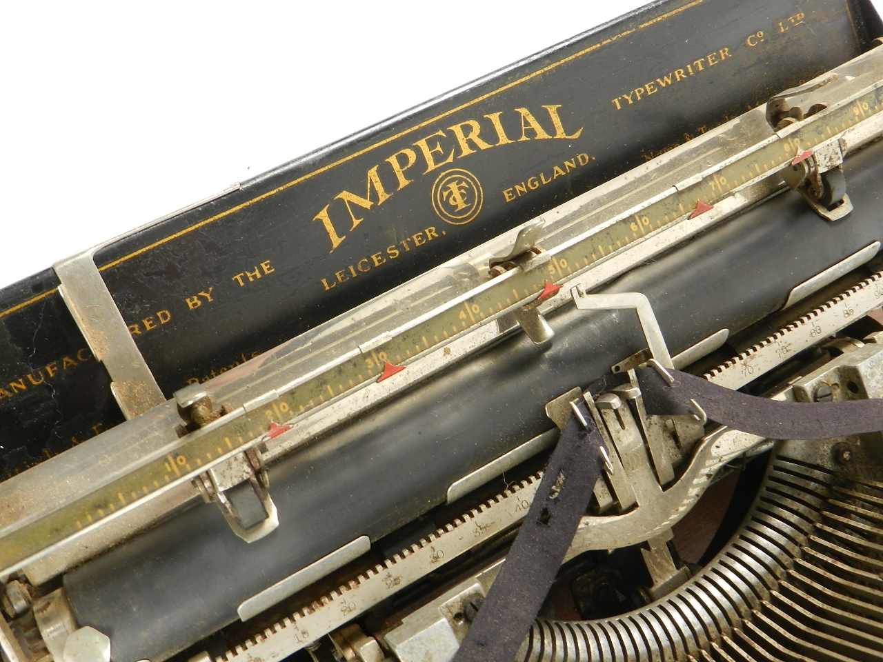 Imagen IMPERIAL D AÑO 1919 TECLADO ESPAÑOL 33182