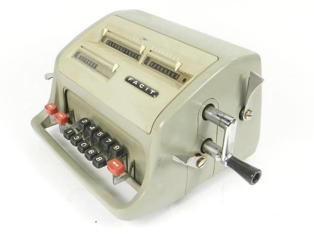 FACIT  MODELO II C1-13 AÑO 1950