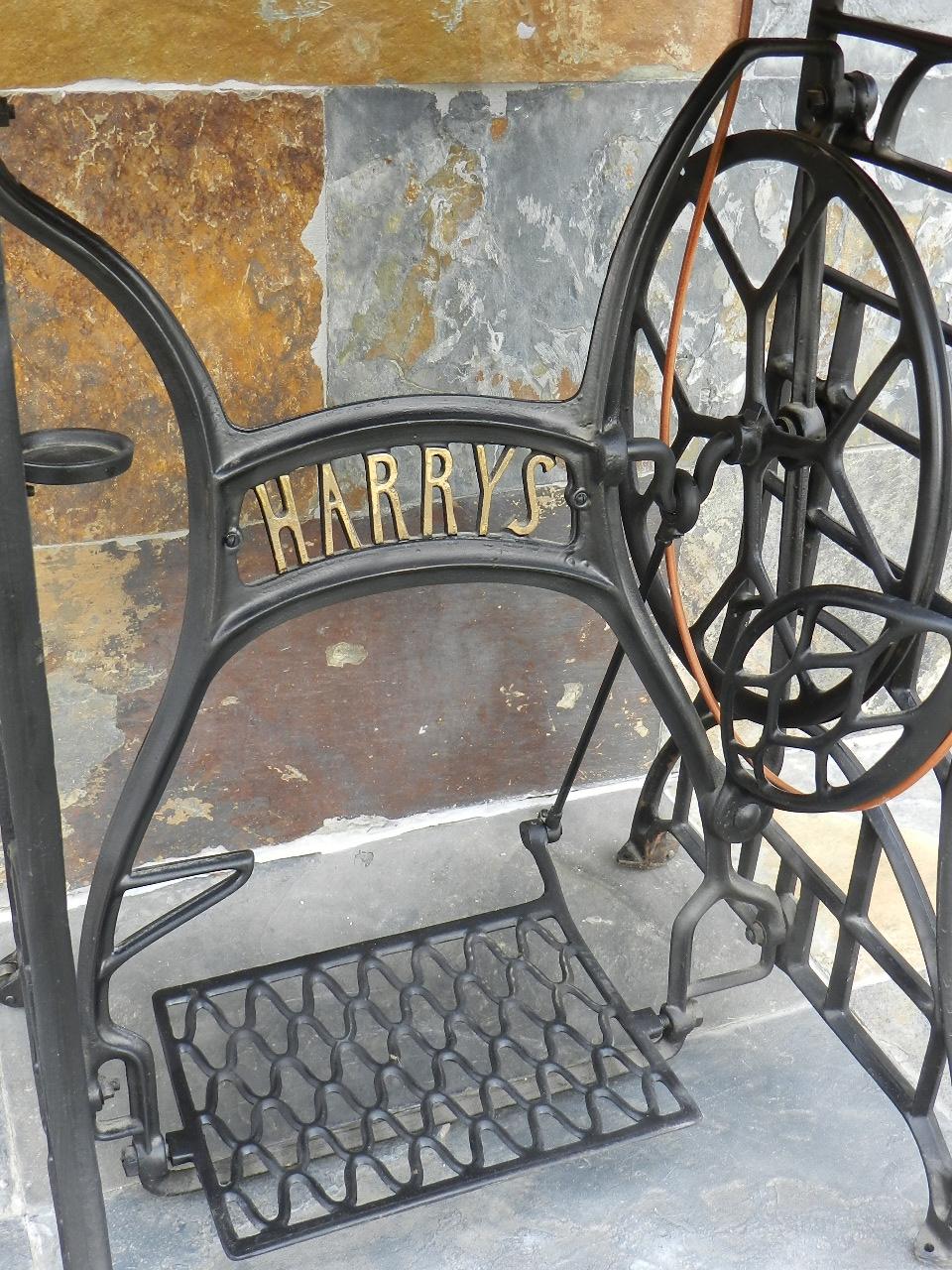 Imagen HARRYS + PIE DE HIERRO AÑO 1920 34358