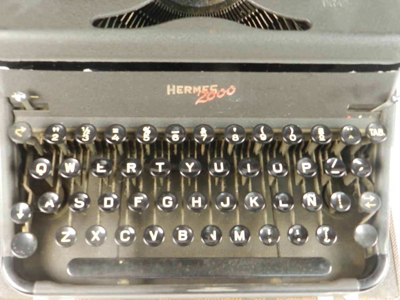 Imagen HERMES 2000 AÑO 1946  TECLADO ESPAÑOL 34560