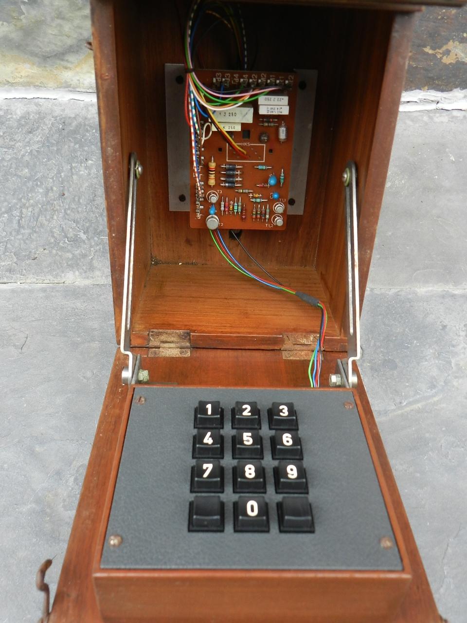 Imagen TELEFONO DE PARED AÑO 1920 34808
