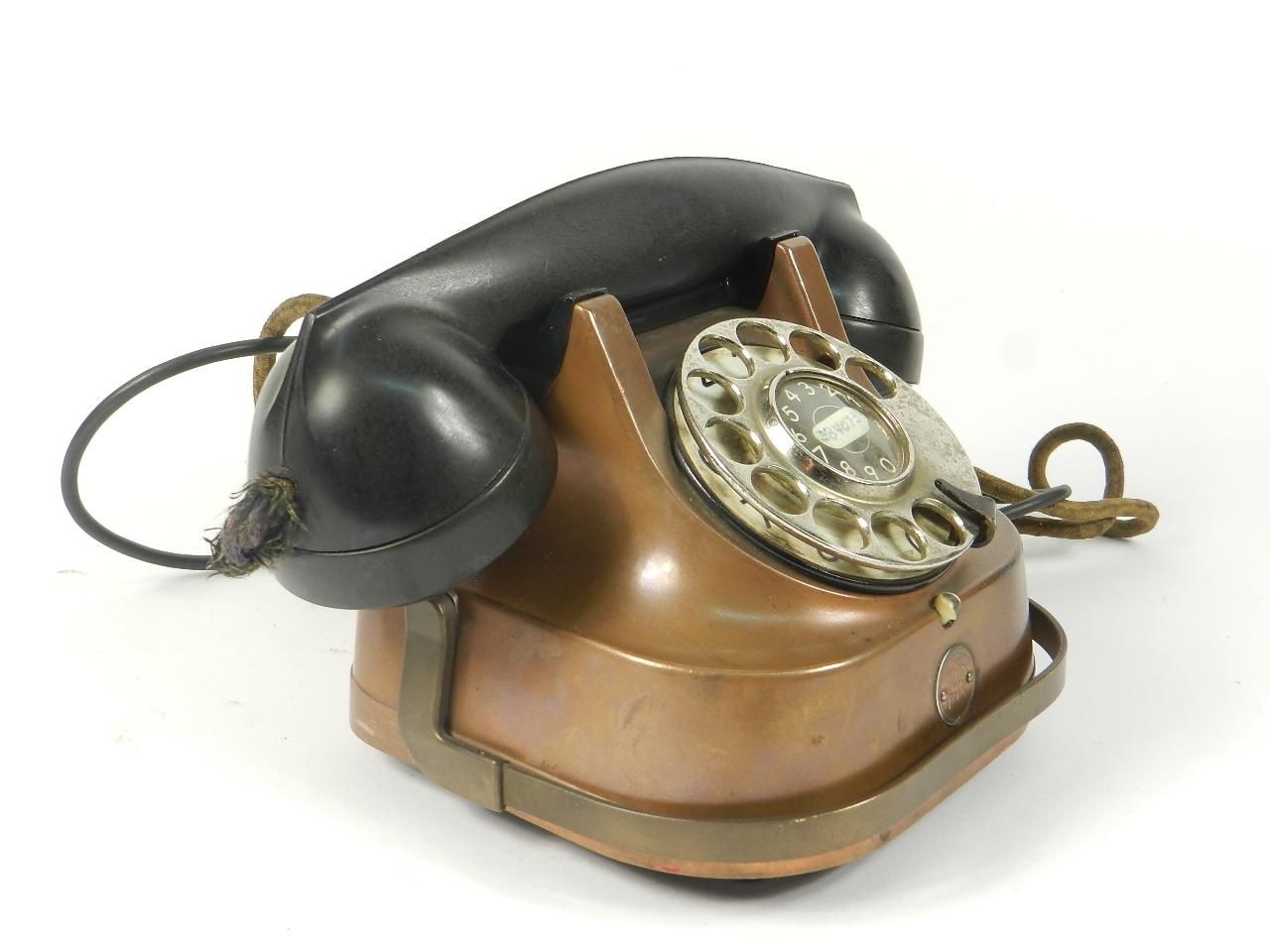 Imagen TELEFONO SOBREMESA COBRE AÑO 1940 35351